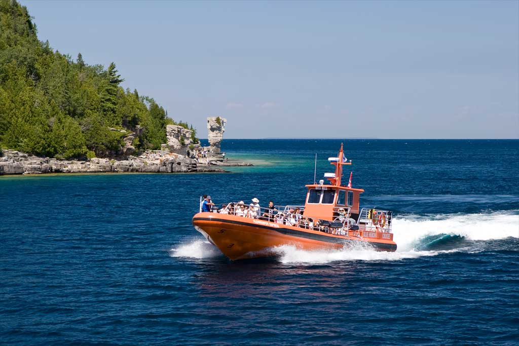 Boat Cruise to Flowerpot Island and Shipwrecks