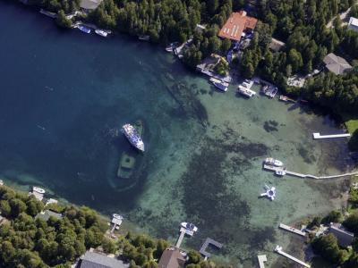 Shipwrecks in Big Tub Harbour